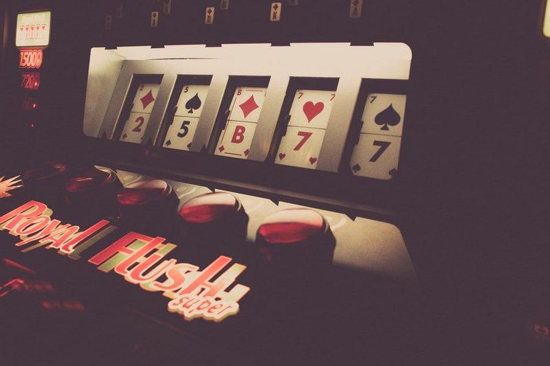 Parhaat casinot viihdyttävät monipuolisesti